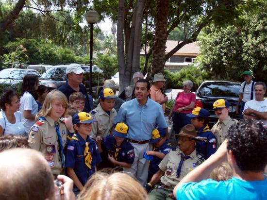 Mayor & Cub Scouts
